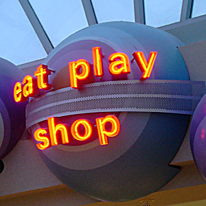 [eat play shop]